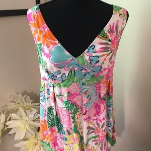 Lily Pulitzer V Neck Top Size M ❤️Cute❤️